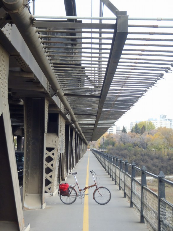 I headed across the mighty High Level bridge. This is one of my favourites of many straight lines of sight that my linear city offers.
